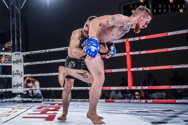 Takedown MMA Rücken